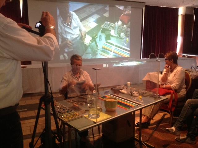 Demonstration der Herstellung von Glasperlen