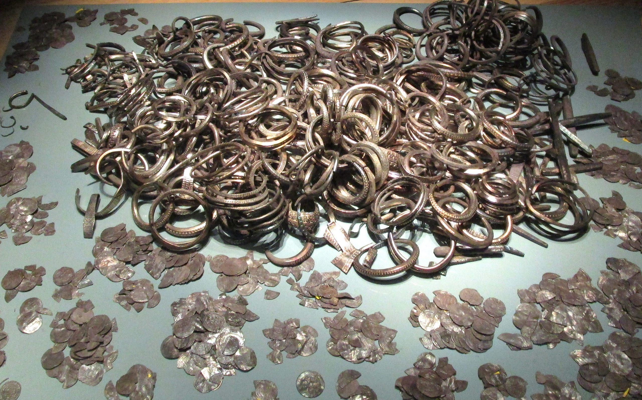 PGS 41,1 (2020) Tafel 1 Abb.1b: Gotland Museum: Spillings-Silberhort 2.